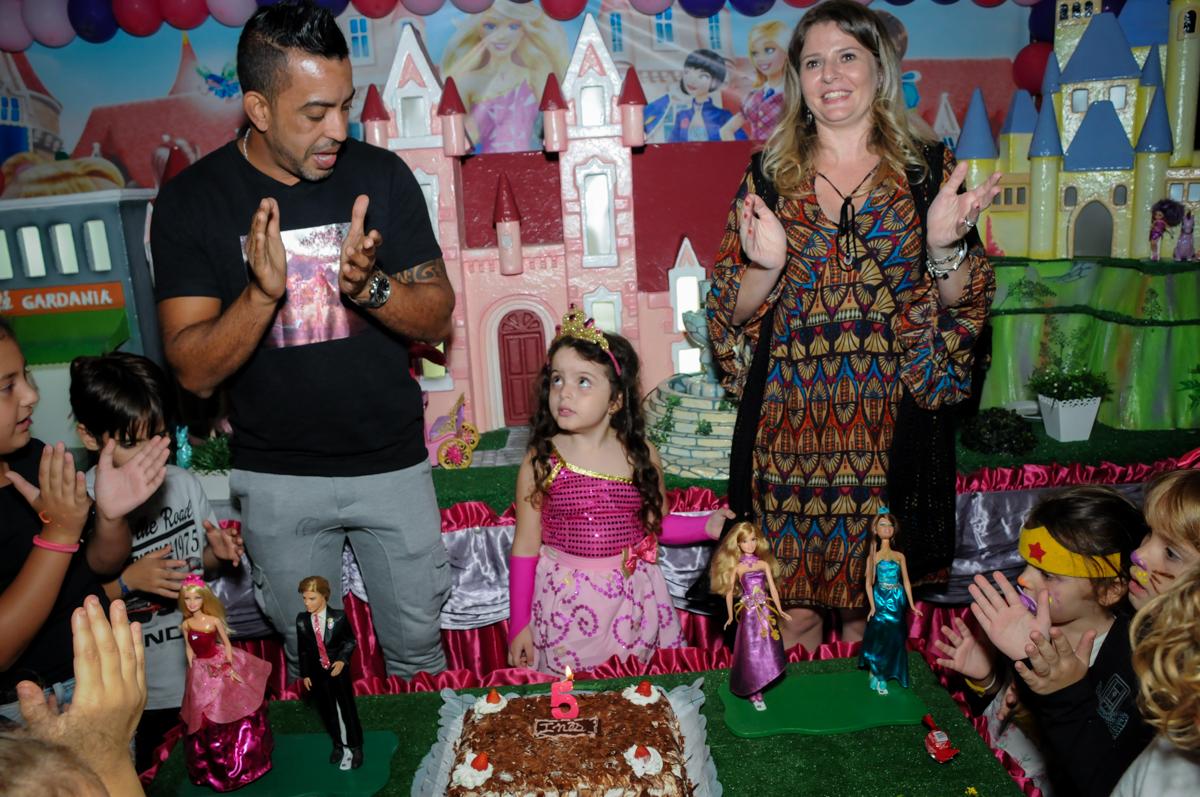 chegou a hora do parabéns no Buffet Gato Sapeca, Osasco, SP, festa de aniversário, Inês 5 anos, tema da festa princesas.