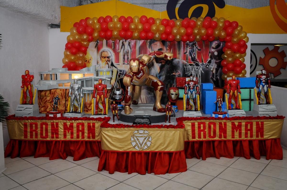 mesa tematica no Buffet infantil  Fábrica da Alegria, osaco, SP, aniversário de Adrian 7 anos, tema da festa Iron Man