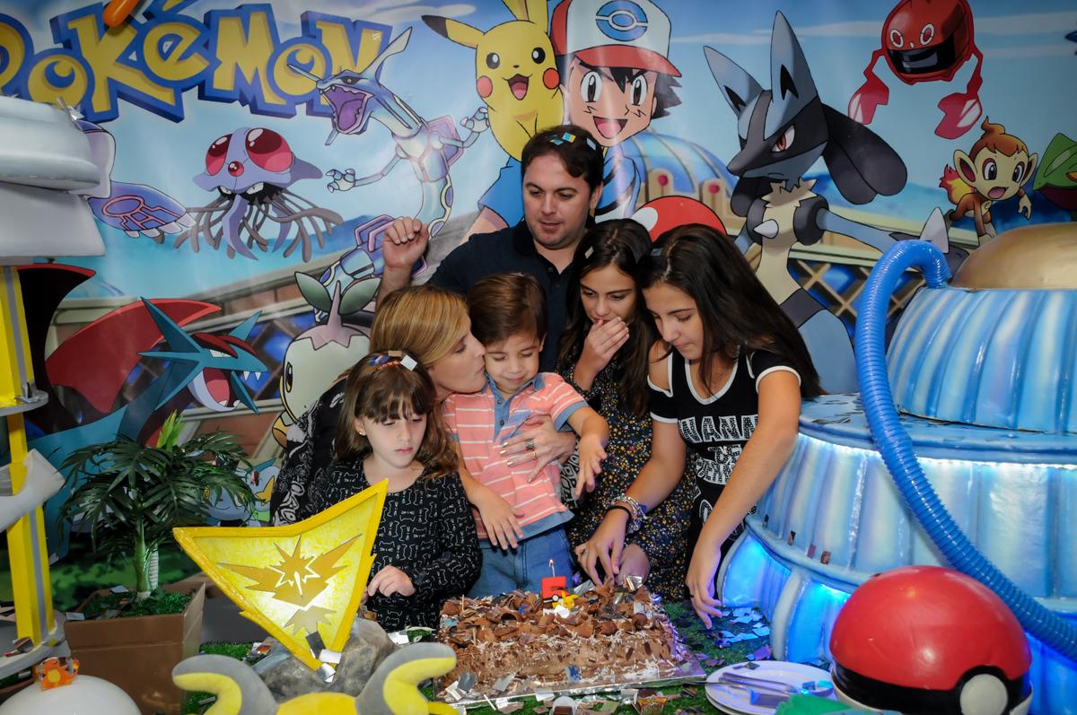 final-da-festa-no-Buffet-max-mania-panambi-são-paulo-festa-infantil-aniversário-davi-5-anos-tema-da-festa-poken-mon