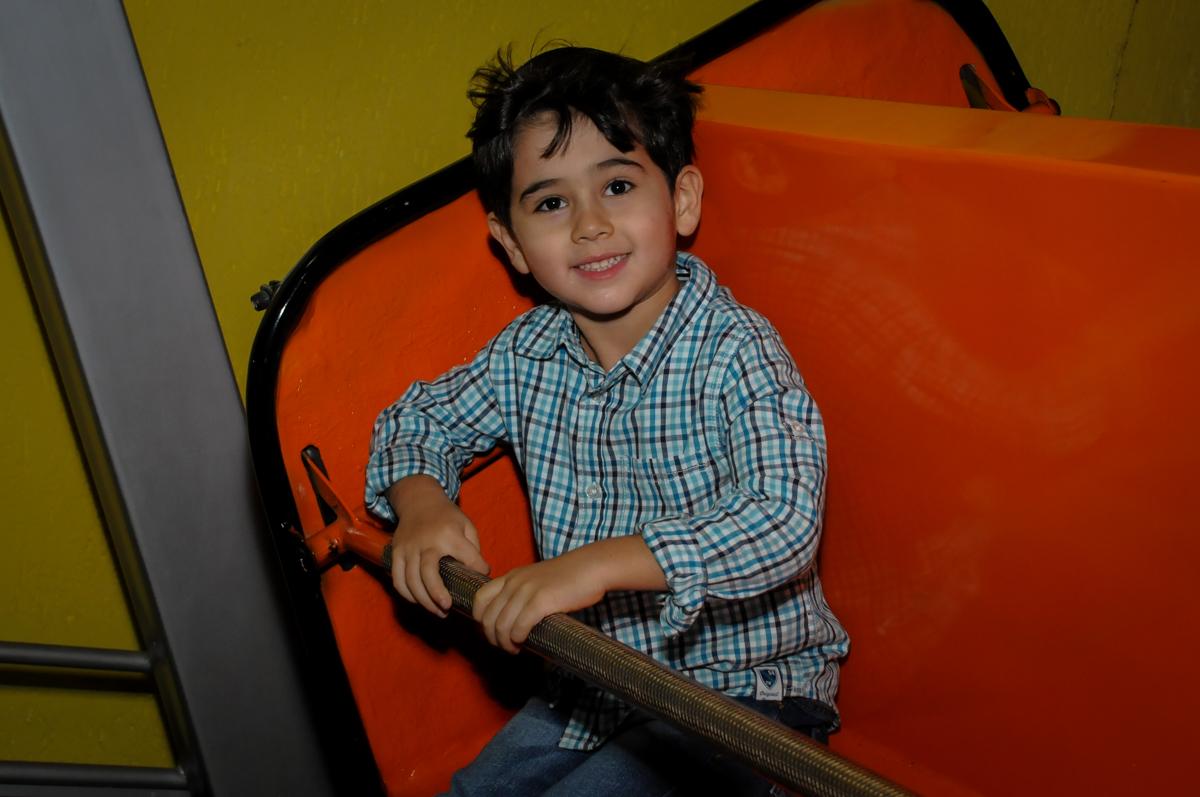 sorrisos-para-foto-no-buffet-doce-mel-kids-fotografia-fimagem-infantil-aniversario-isabella-7-anos-tema-da-festa-lad-bug