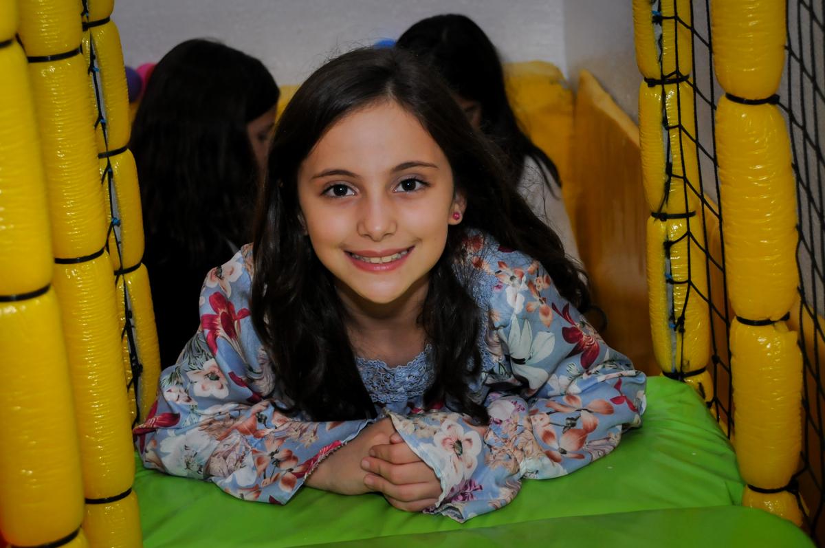 sorriso-para-fazer-a-foto-no-buffet-doce-mel-kids-fotografia-fimagem-infantil-aniversario-isabella-7-anos-tema-da-festa-lad-bug