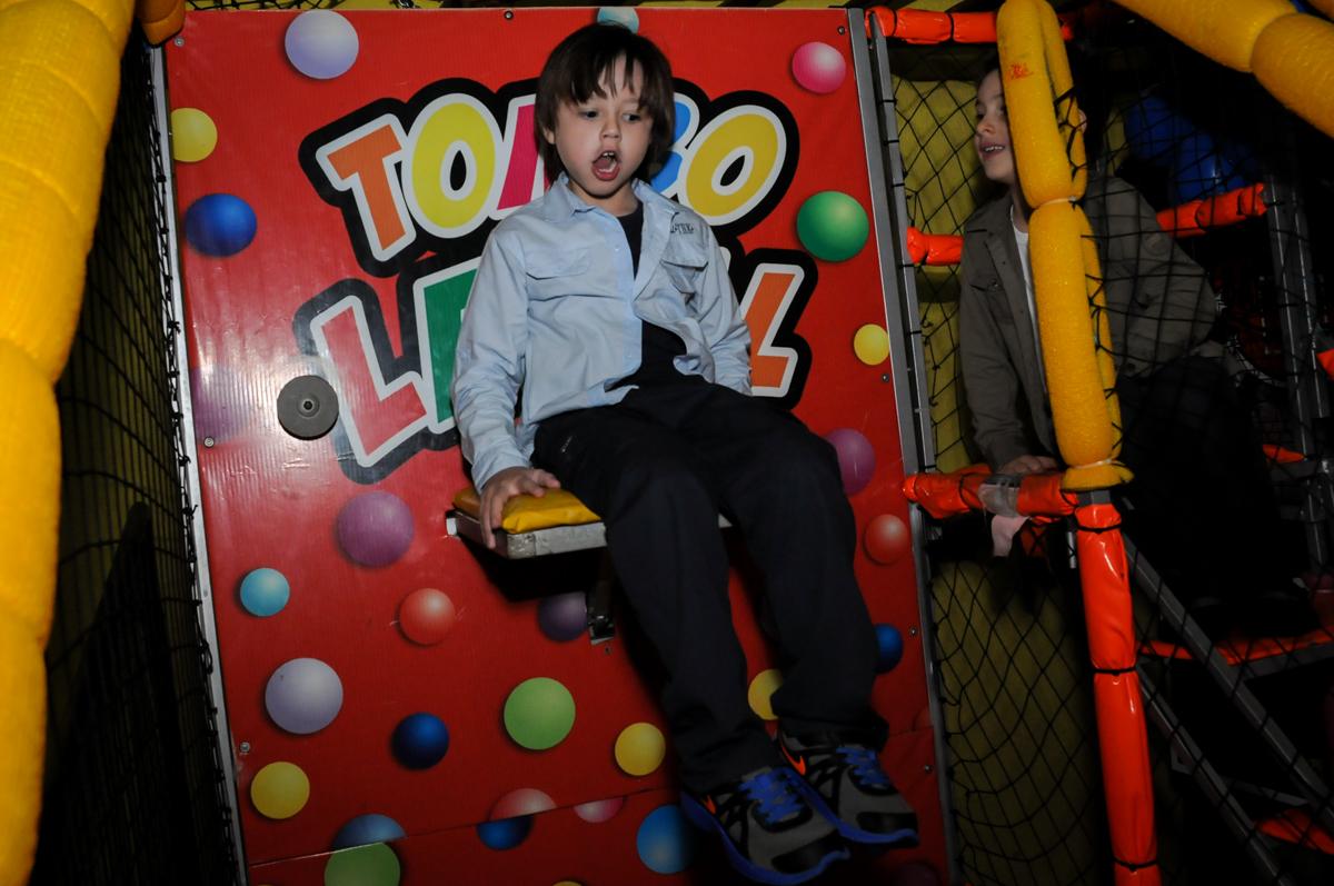 tombo-legal-divertido-no-buffet-doce-mel-kids-fotografia-fimagem-infantil-aniversario-isabella-7-anos-tema-da-festa-lad-bug
