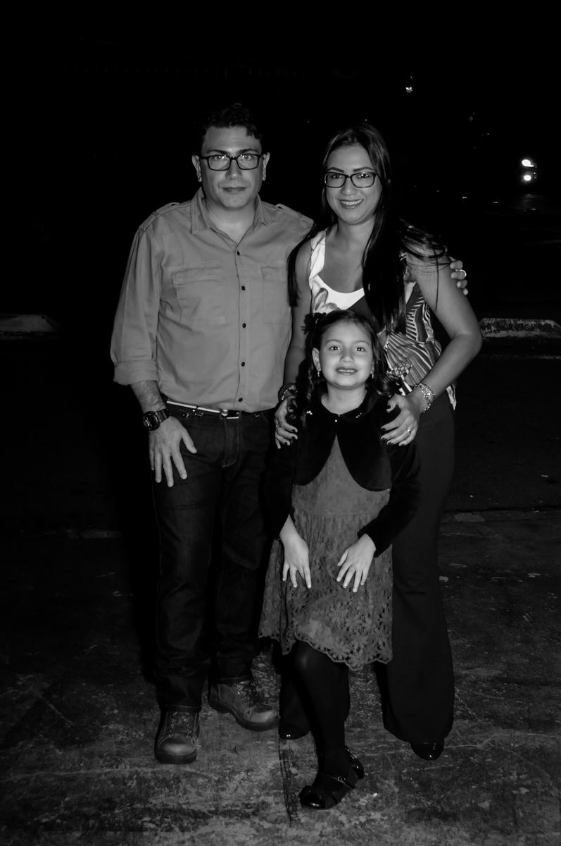 entrada-da-familia-no-buffet-doce-mel-kids-fotografia-fimagem-infantil-aniversario-isabella-7-anos-tema-da-festa-lad-bug