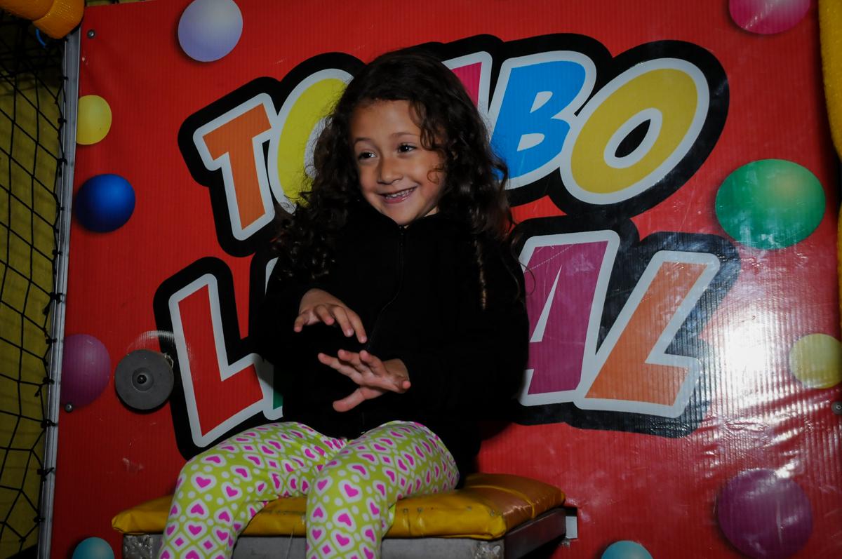 caindo-no-tombo-legal-no-buffet-doce-mel-kids-fotografia-fimagem-infantil-aniversario-isabella-7-anos-tema-da-festa-lad-bug