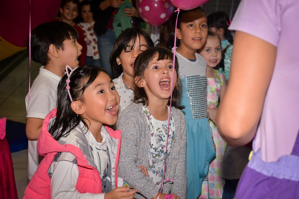 muita-alegria-no-buffet-magic-joy-saude-sao-paulo-sp-fotografia-infantil-aniversario-de-isadora-6-anos-tema-da-festa-rapunzel