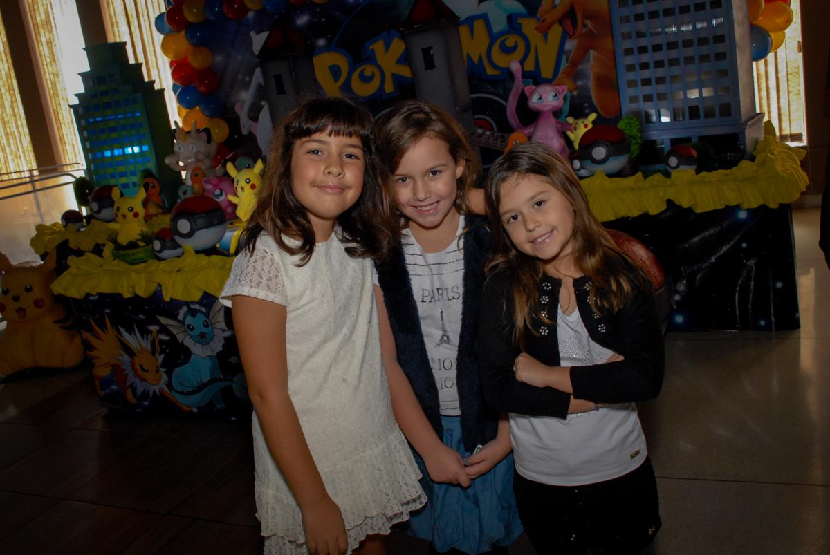 fotografia-dos-convidados-no-buffet-planeta-kids-lapa-são-paulo-sp-fotografia-filmagem-infantil-aniversário-rafael-7-anos-tema-da-festa-pokemon
