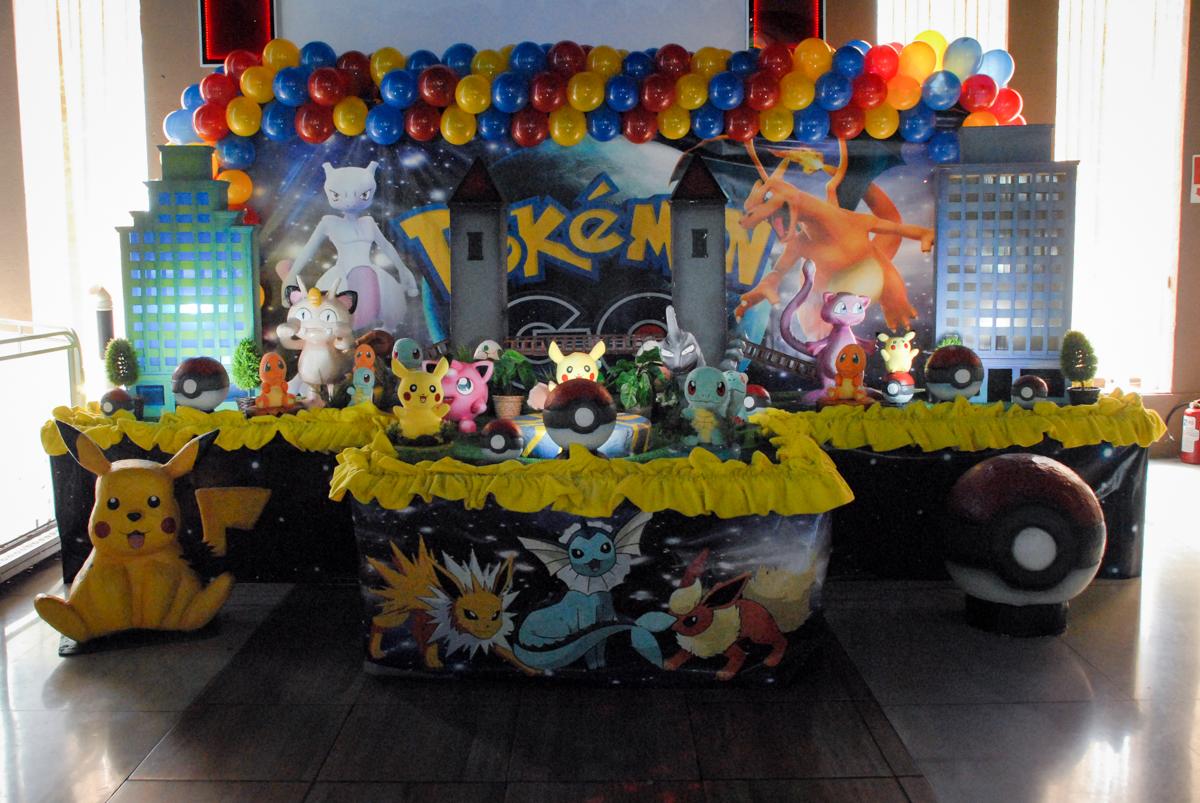 mesa-temática-no-buffet-planeta-kids-lapa-são-paulo-sp-fotografia-filmagem-infantil-aniversário-rafael-7-anos-tema-da-festa-pokemon