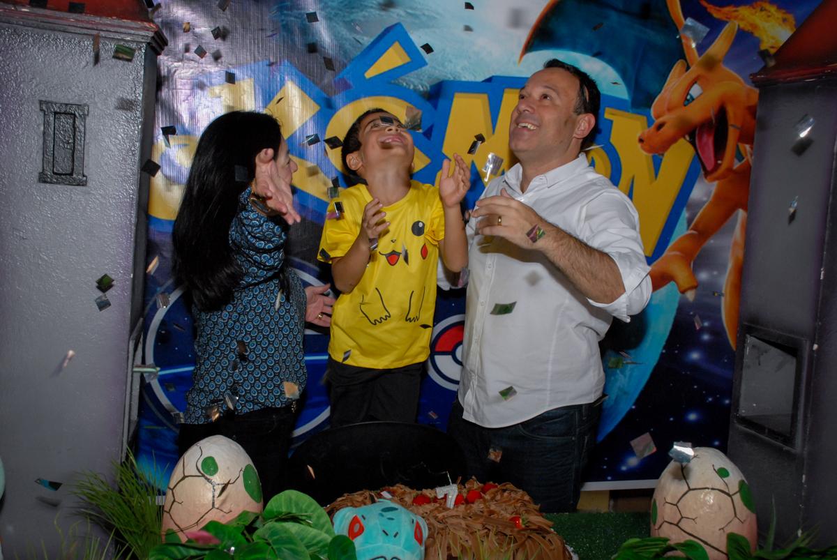 chuva-de-papel-de-picado-no-buffet-planeta-kids-lapa-são-paulo-sp-fotografia-filmagem-infantil-aniversário-rafael-7-anos-tema-da-festa-pokemon