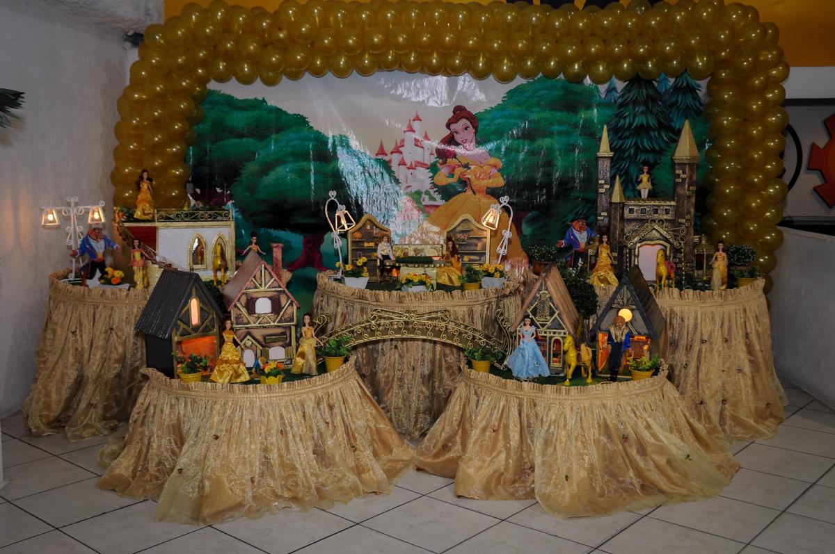 mesa-temática-n0-buffet-fábrica-da-alegria-osasco-sáo-paulo-sp-fotografia-infantil-aniversário-de-ana-7-anos-tema-da-festa-a-bela-e-a-fera