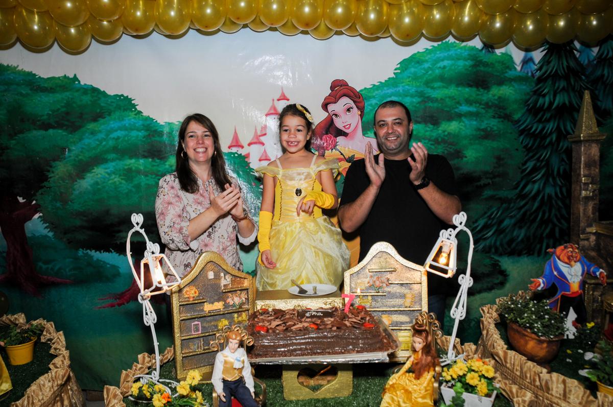 parabéns-animado-no-buffet-fábrica-da-alegria-osasco-sáo-paulo-sp-fotografia-infantil-aniversário-de-ana-7-anos-tema-da-festa-a-bela-e-a-fera