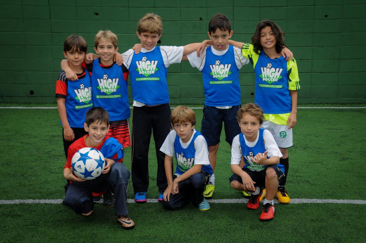 fotografia-dos-jogadores-no-Buffet-High-Soccer-Morumbi-São-paulo-SP-festa-infantil-aniversário-de-Felipe-8-anos-tema-da-festa-futebo