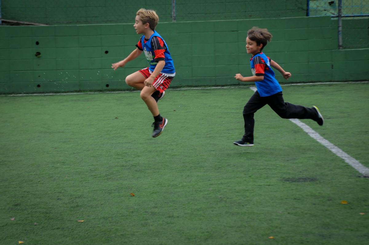 jogada-espetacular-no-Buffet-High-Soccer-Morumbi-São-paulo-SP-festa-infantil-aniversário-de-Felipe-8-anos-tema-da-festa-futebo