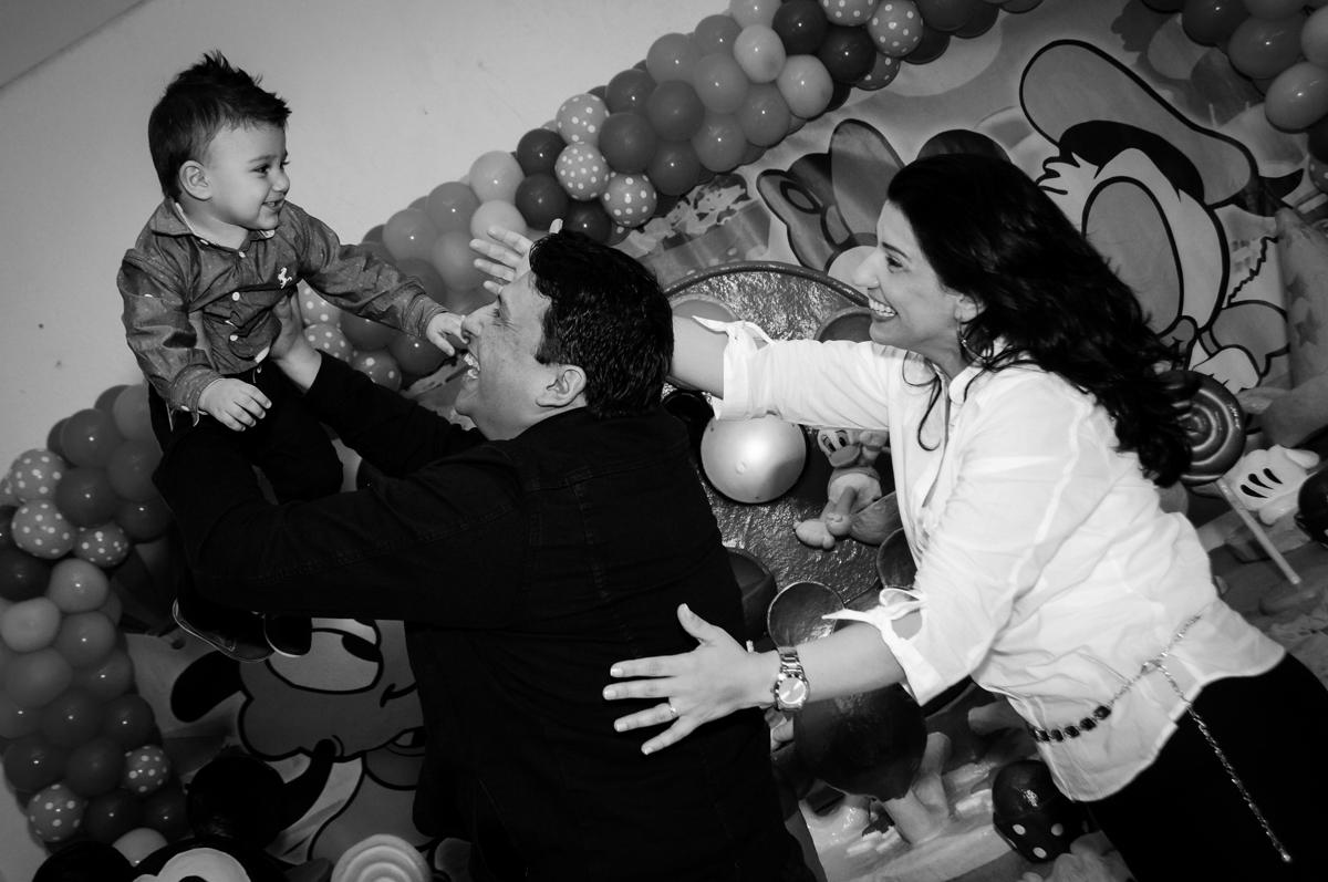 brincando-com-o-aniversariante-noBuffet-fabrica-da-alegria-morumbi-são-paulo-sp-festa-infantil-aniversário-infantil-pedro-1-ano-tema-da-festa-turma-do-mickey