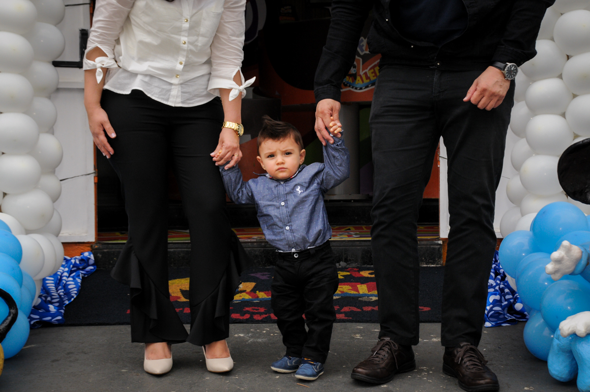 fotografia-do-aniversariante-no-Buffet-fabrica-da-alegria-morumbi-são-paulo-sp-festa-infantil-aniversário-infantil-pedro-1-ano-tema-da-festa-turma-do-mickey