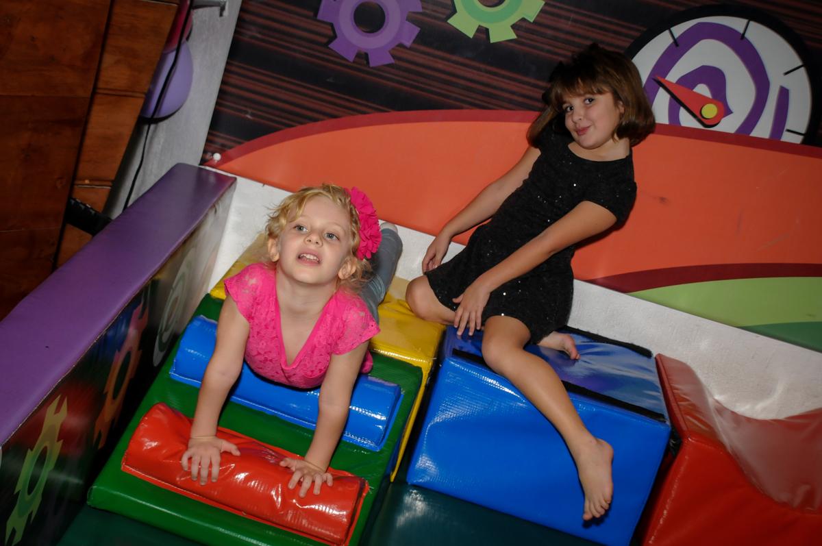 área-baby-divertida-no-buffet-fábrica-da-alegria,osasco-sp-festa-infantil-aniversário-maria-fernanda-5-anos-tema-da-festa-princesas