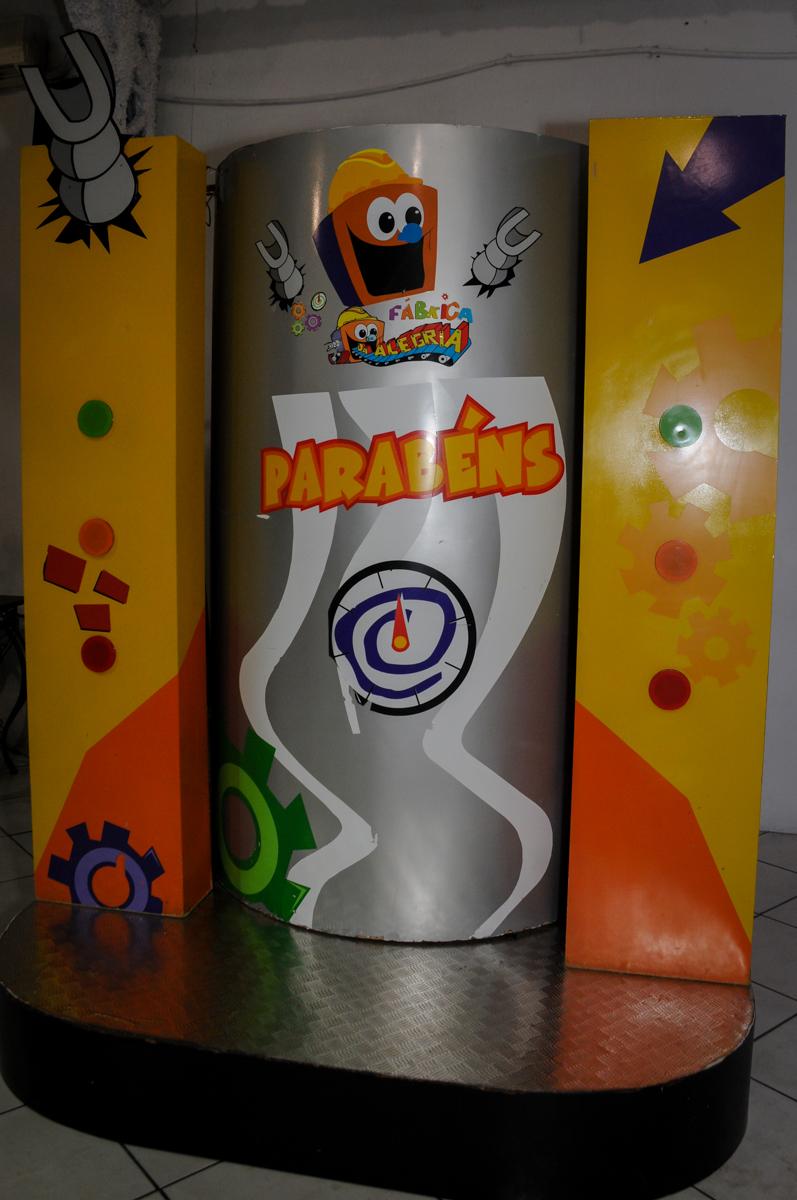 máquina-do-parabéns-no-buffet-fábrica-da-alegria,osasco-sp-festa-infantil-aniversário-maria-fernanda-5-anos-tema-da-festa-princesas