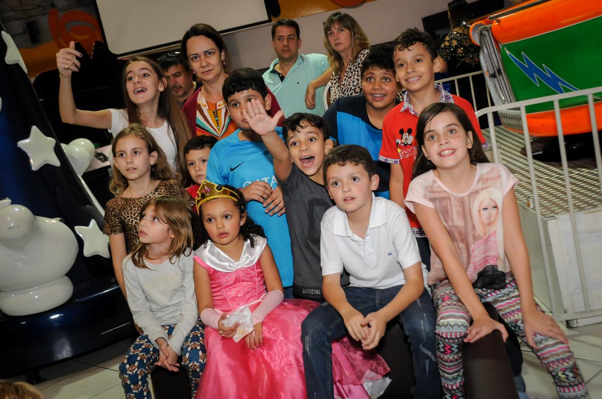 baguna-das-crianas-no-buffet-fábrica-da-alegria,osasco-sp-festa-infantil-aniversário-maria-fernanda-5-anos-tema-da-festa-princesas