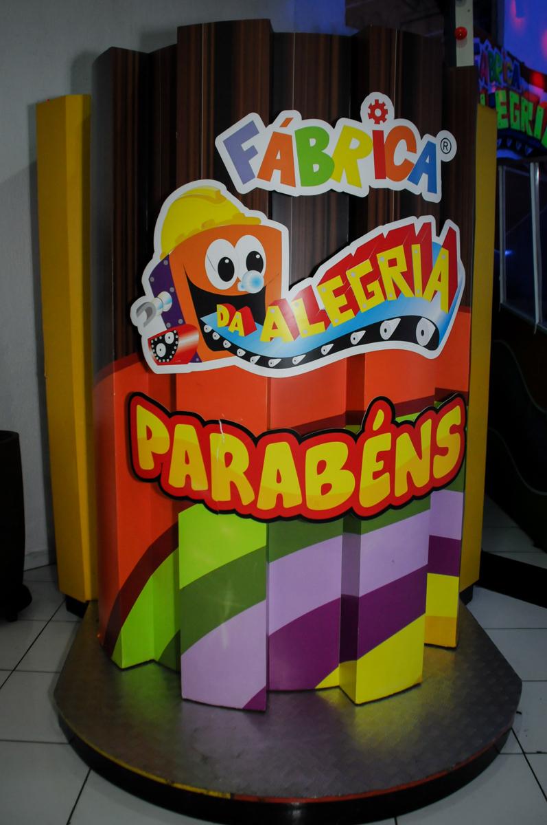 máquina-do-parabéns-no-Buffet-Fábrica-da-Alegria-Morumbi-S-Paulo-SP-fotografia-infantil-festa-infantil-tema-da-festa-minicraft
