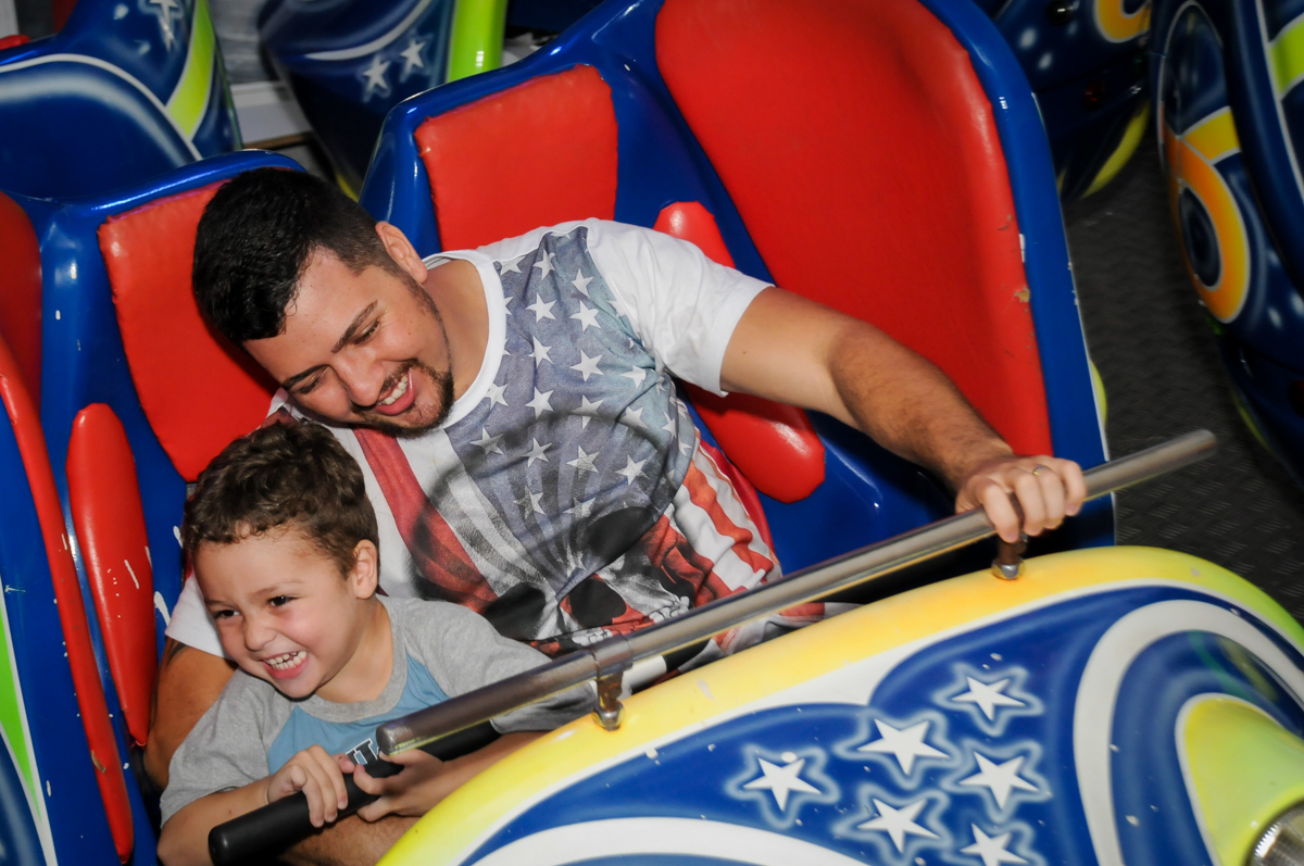 brincando-no-jornada-nas-estrelas-noBuffet-Fábrica-da-Alegria-Morumbi-S-Paulo-SP-fotografia-infantil-festa-infantil-tema-da-festa-minicraft