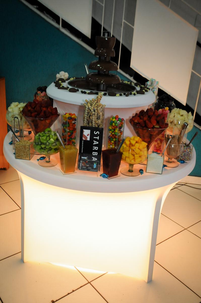 mesa-de-frutas-foundi-no-Buffet-Fábrica-da-Alegria-Morumbi-S-Paulo-SP-fotografia-infantil-festa-infantil-tema-da-festa-minicraft