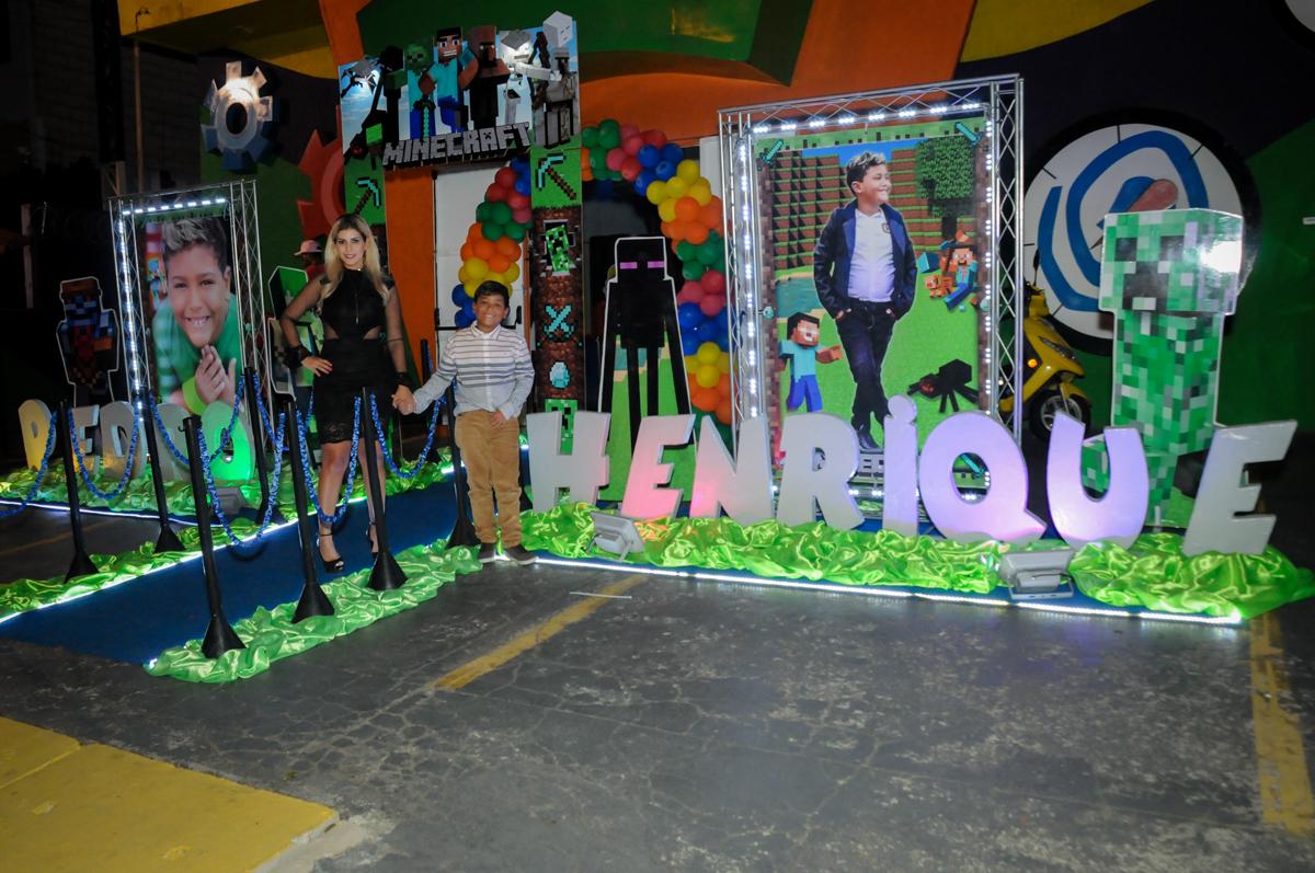 fotografia-na-entrada-do-bufet-no-Buffet-Fábrica-da-Alegria-Morumbi-S-Paulo-SP-fotografia-infantil-festa-infantil-tema-da-festa-minicraft