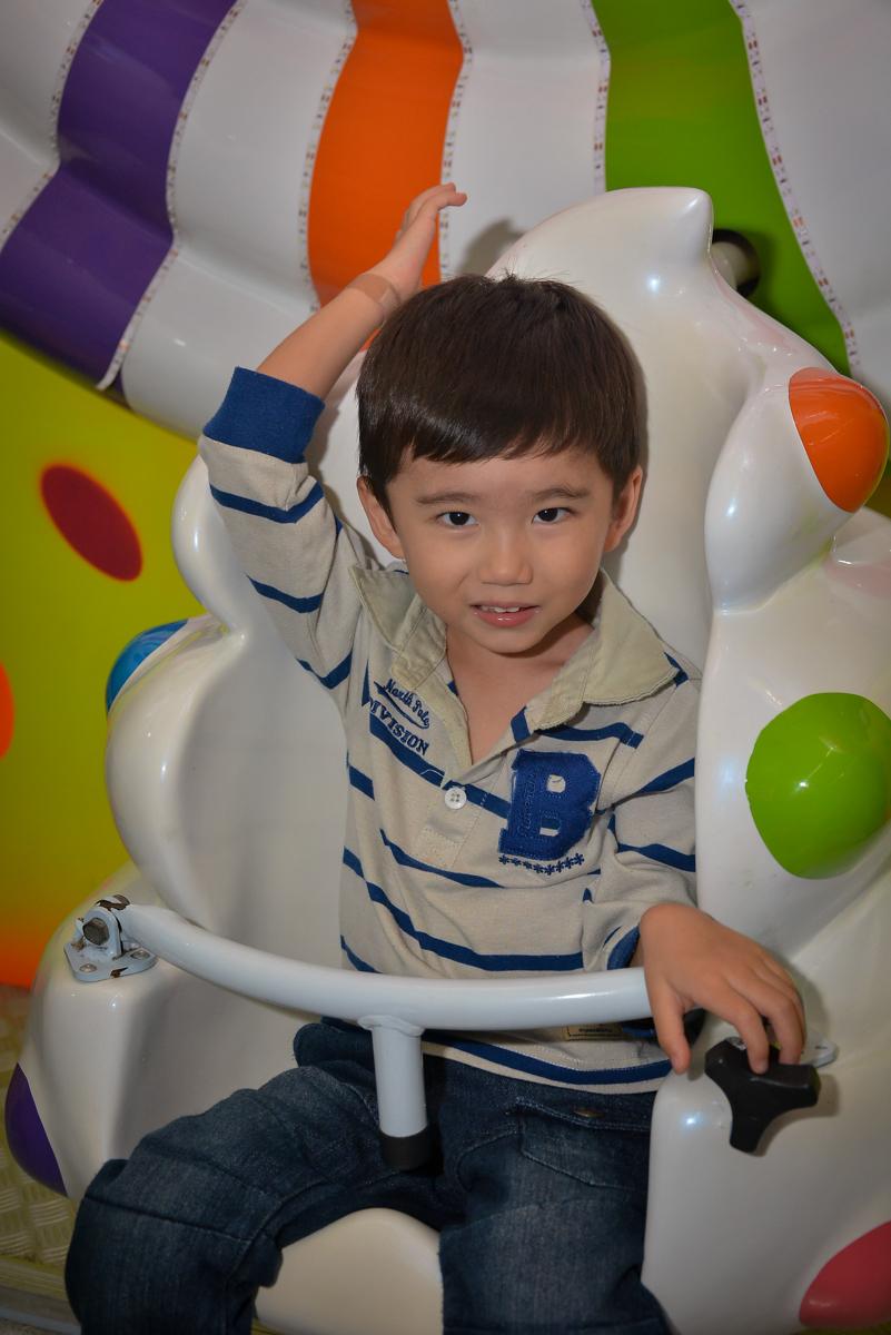 carrossel-legal-no-buffet-magic-joy-moema-são-paulo-sp-festa-infantil-fotograia-infantil-festa-de-rafael-3-anos