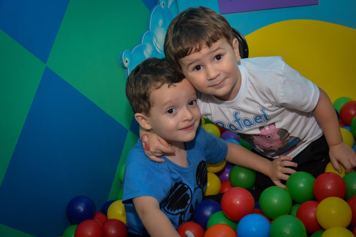 pose-para-a-foto-no-buffet-magic-joy-moema-são-paulo-sp-festa-infantil-fotograia-infantil-festa-de-rafael-3-anos