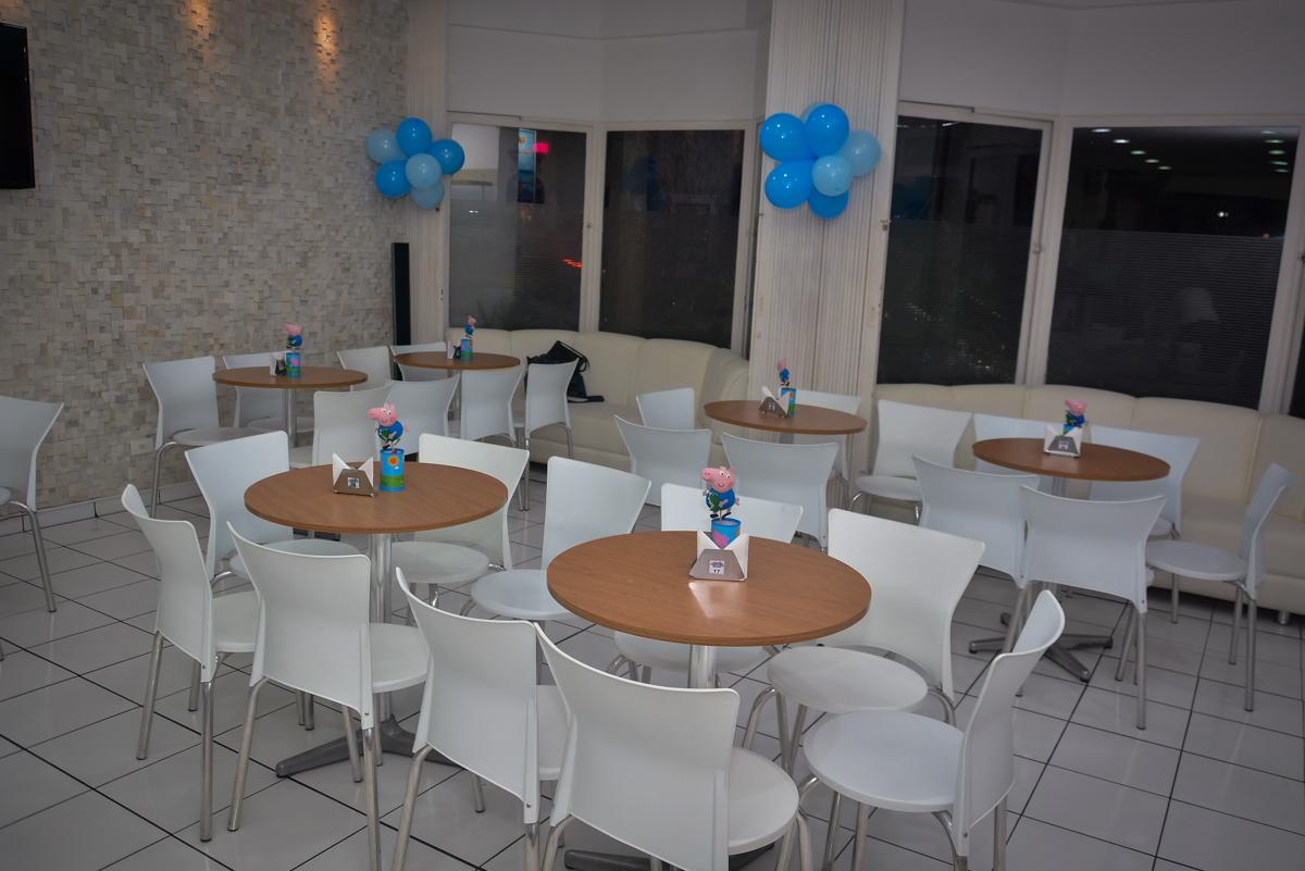 mesas-do-salão-no-buffet-magic-joy-moema-são-paulo-sp-festa-infantil-fotograia-infantil-festa-de-rafael-3-anos