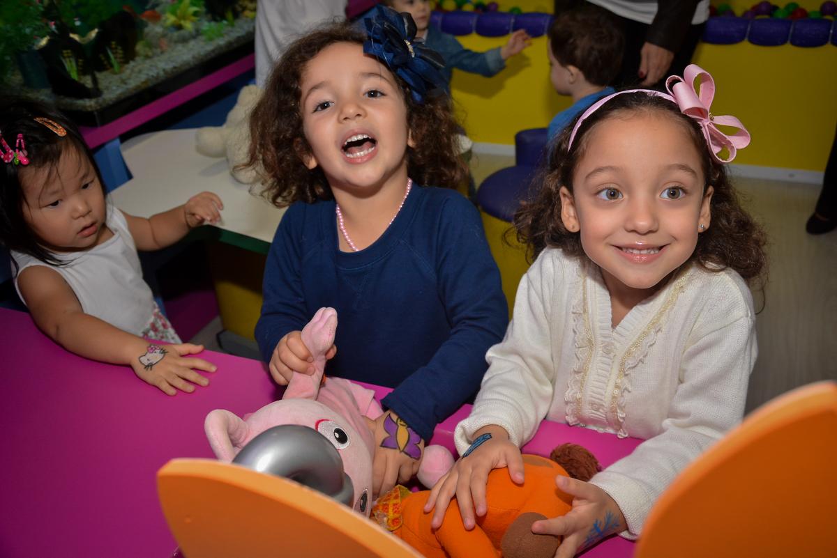 muita-alegria-na-área-baby-no-buffet-magic-joy-moema-são-paulo-sp-festa-infantil-fotograia-infantil-festa-de-rafael-3-anos