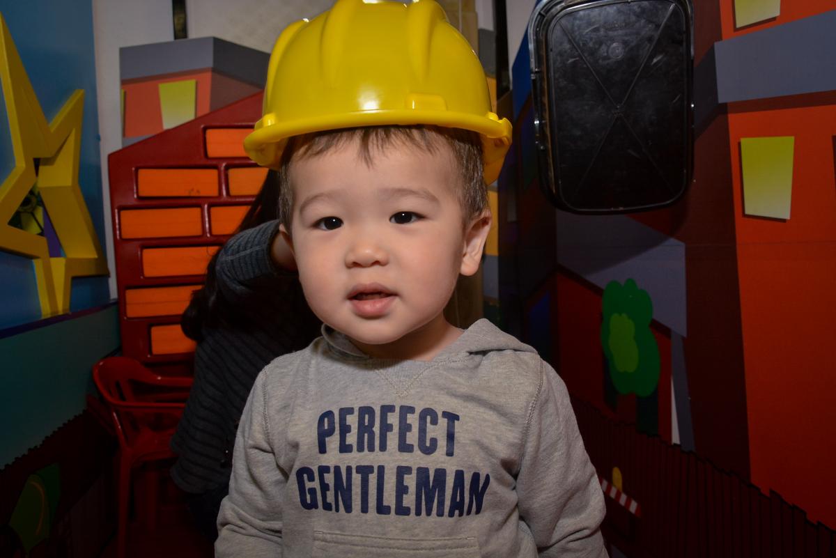 bebê-com-capacete-nobuffet-magic-joy-moema-são-paulo-sp-festa-infantil-fotograia-infantil-festa-de-rafael-3-anos