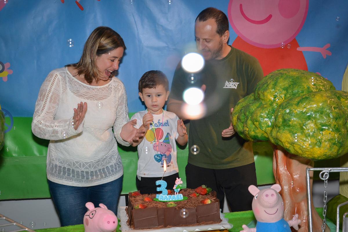 hora-do-parabéns-no-buffet-magic-joy-moema-são-paulo-sp-festa-infantil-fotograia-infantil-festa-de-rafael-3-anos