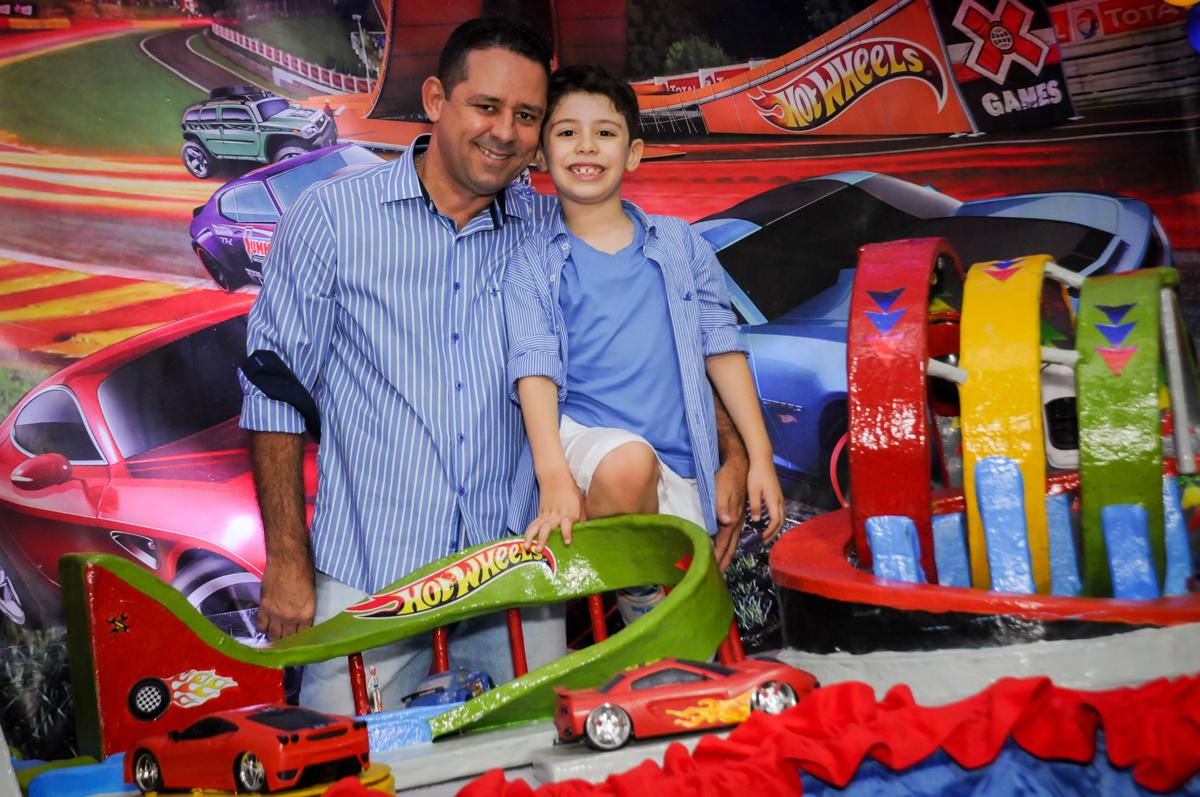 fotografia pai e filho na mesa decorada no buffet balaktoon, sao paulo, sp