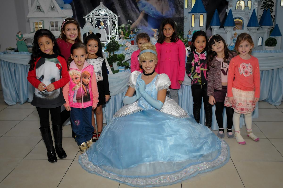 foto com a princesa cinderela no Buffet Mega Boom, Santana, Zona Norte São Paulo, SP