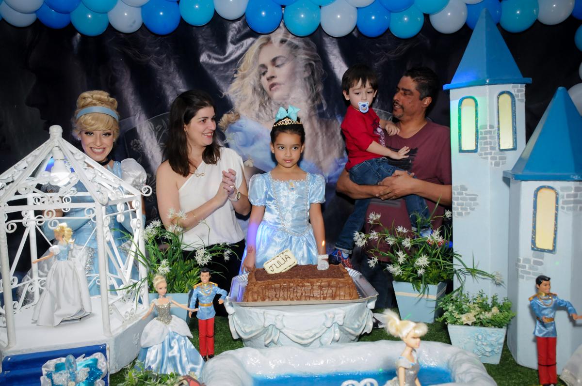hora de cantar parabéns no Buffet Mega Boom, Santana, Zona Norte São Paulo, SP