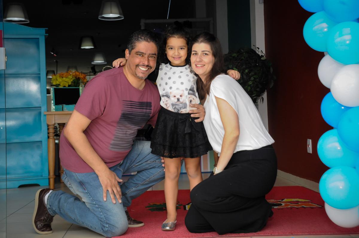 família sendo fotografada no Buffet Mega Boom, Santana, Zona Norte São Paulo, SP