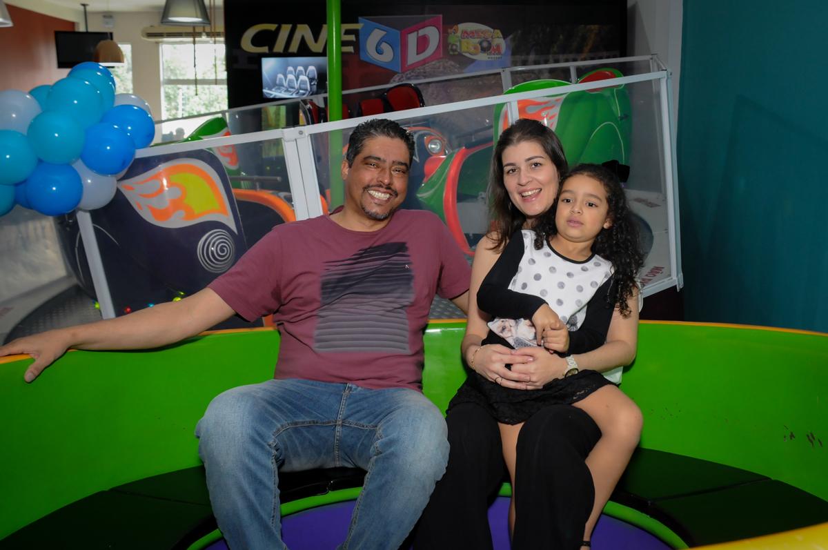 família se diverte no labamba no Buffet Mega Boom, Santana, Zona Norte São Paulo, SP