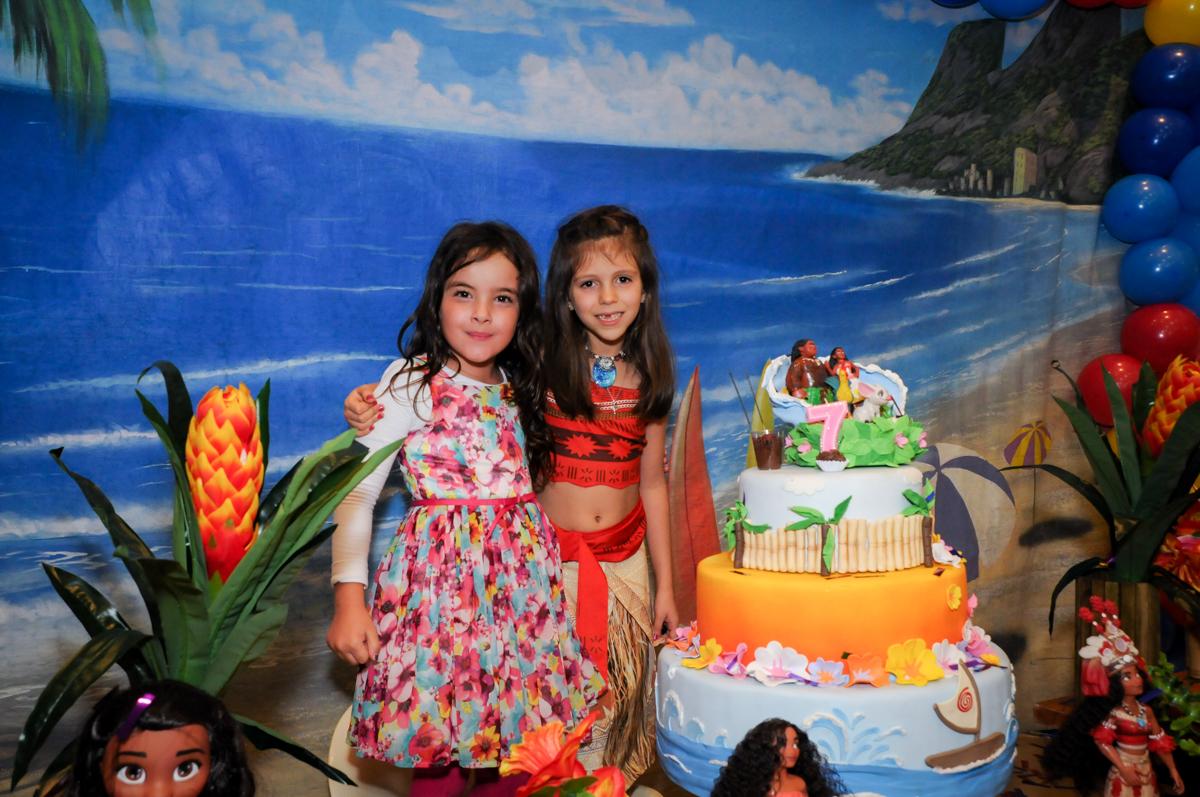 fotografia com a amiga no buffet fantastic world, morumbi, são paulo,sp