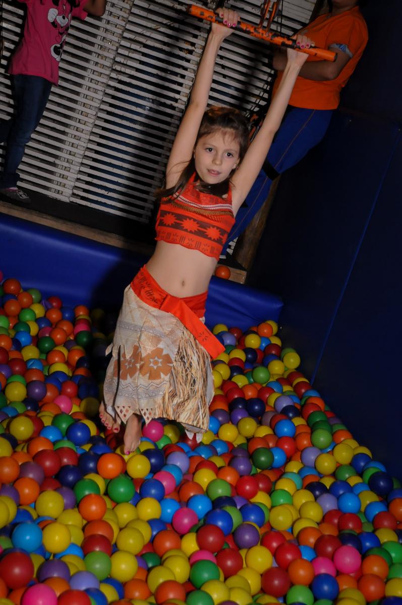 piscina de bolinha divertida no buffet fantastic world, morumbi, são paulo,sp