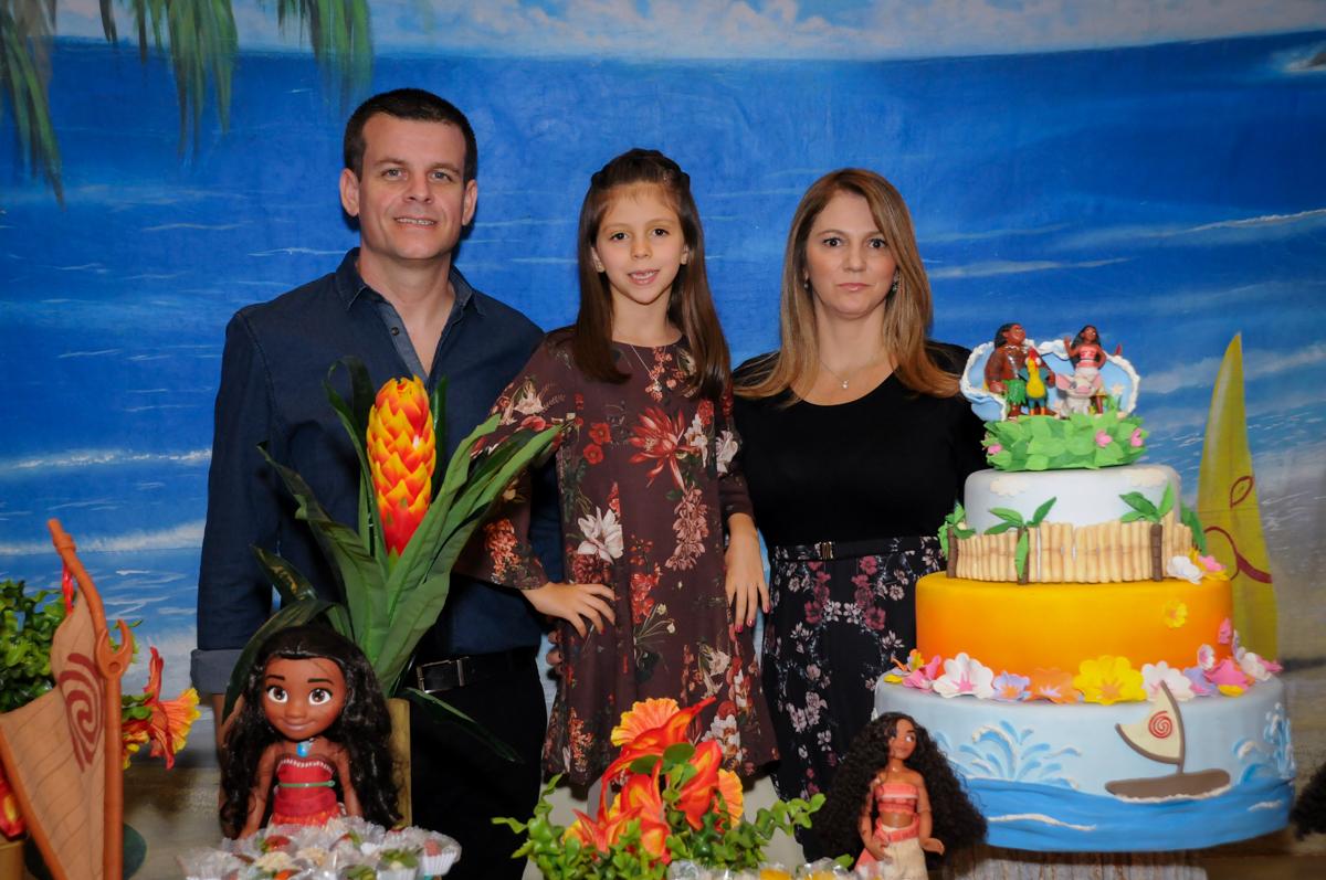 família posa para fotografia no buffet fantastic world, morumbi, são paulo,sp