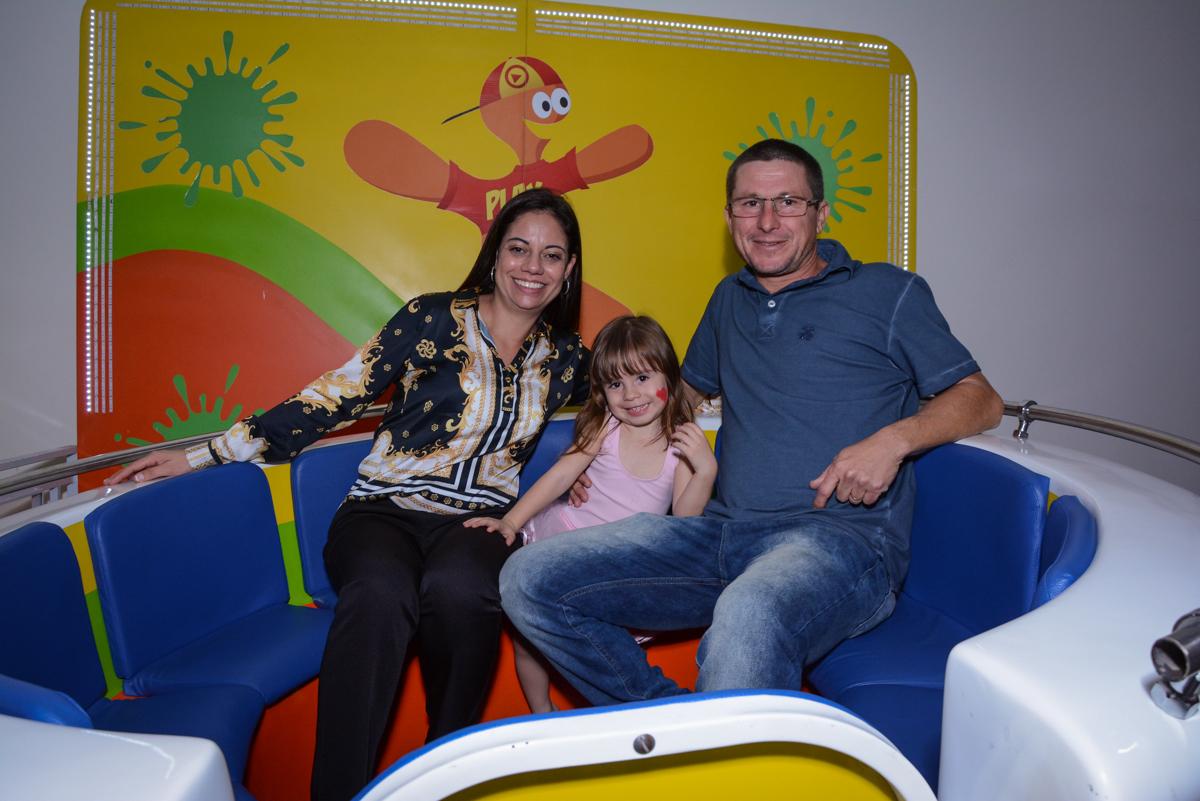 a família brinca no labamba no Buffet Espaço Play, Osasco, São Paulo