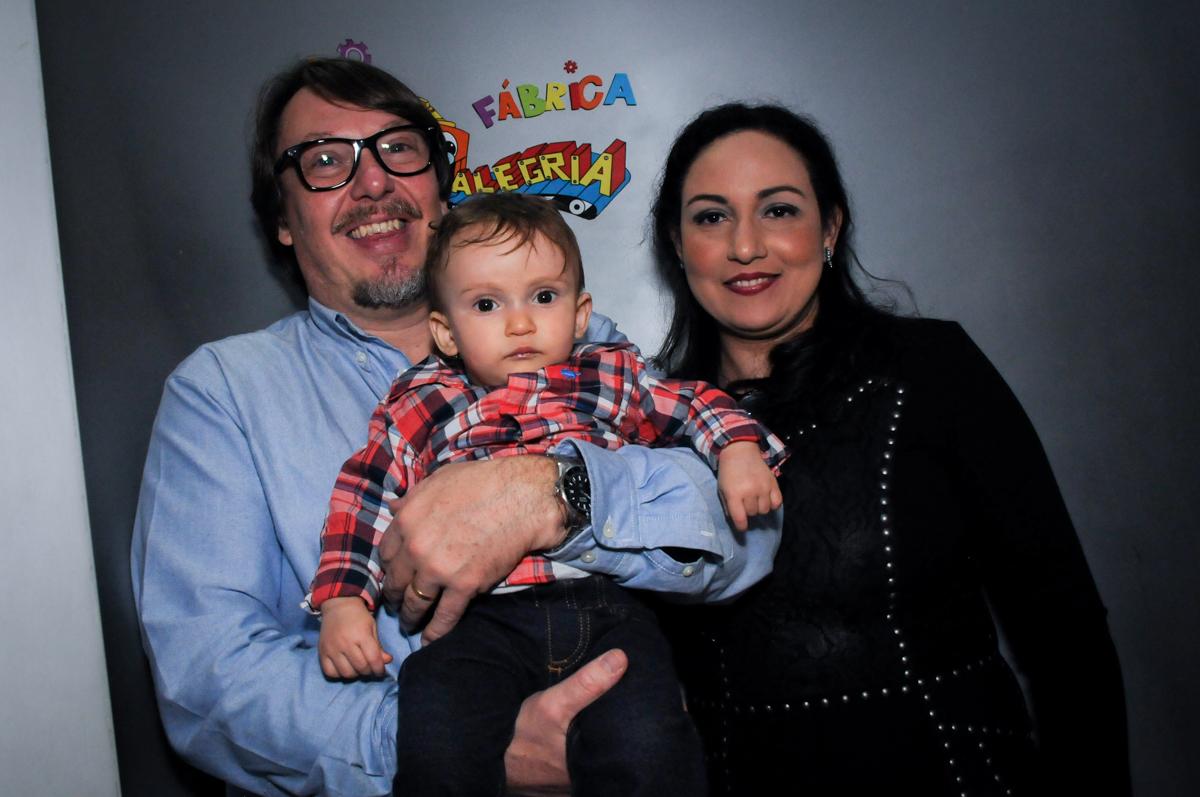 hora de cantar o parabéns no Buffet Fábrica da Alegria, Morumbi, São Paulo, SP