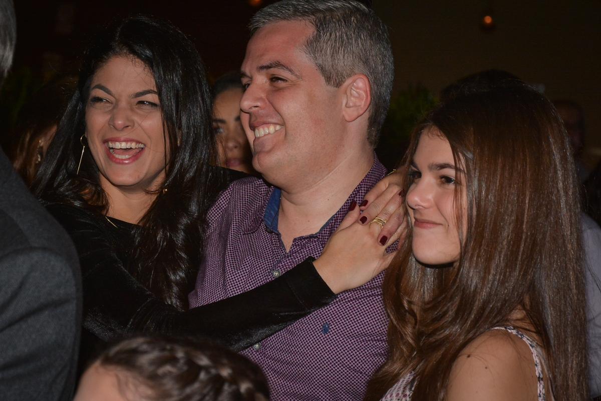 festa surpresa muito alegre no Buffet Estação Club, Moema, São Paulo, SP