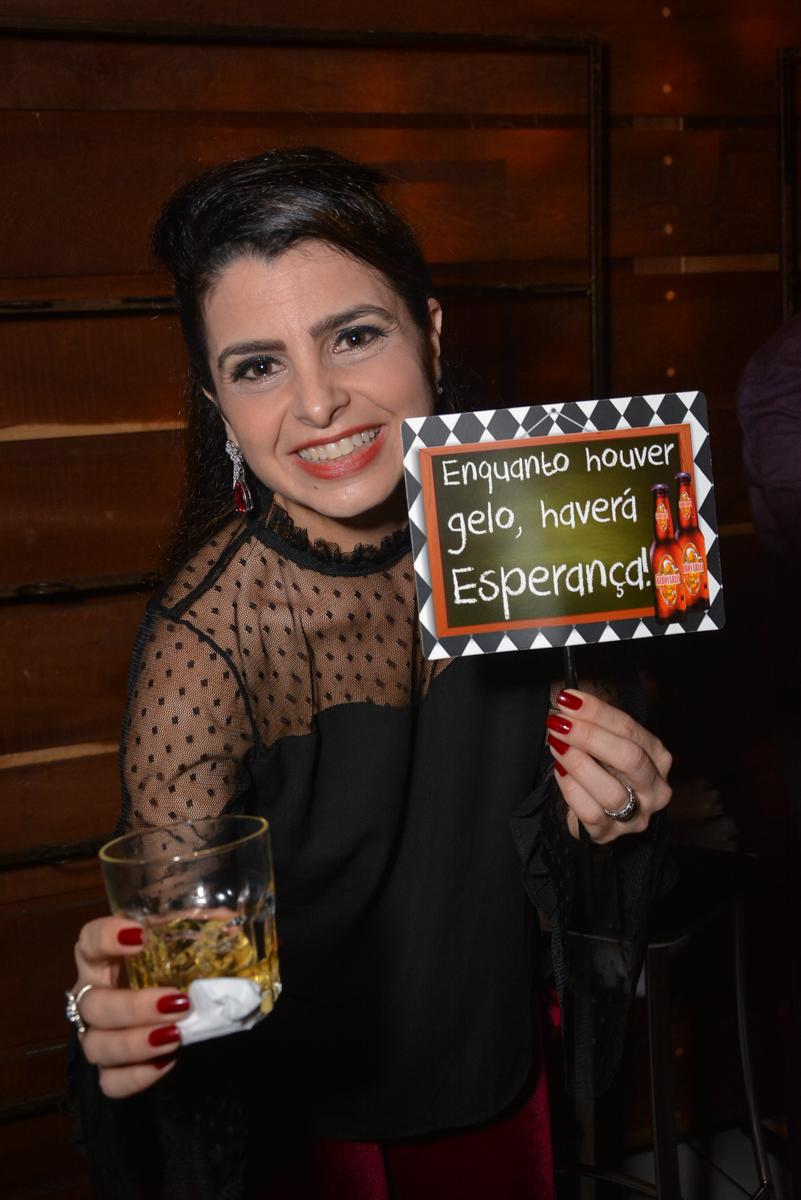 Nora também curte a festa no Buffet Estação Club, Moema, São Paulo, SP