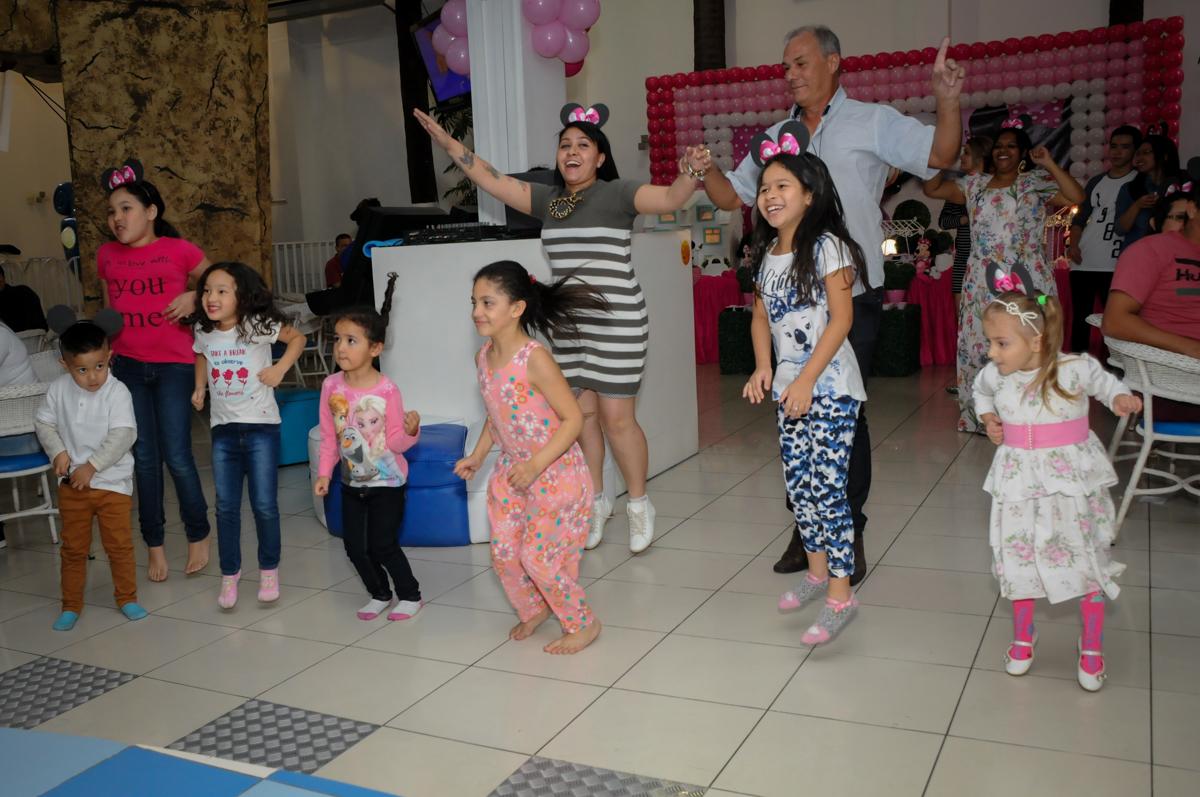 hora da balada no Buffet Comics, Morumbi, São Paulo, SP, aniversario de Giovanna 1 aninho, tema da festa, minie rosa