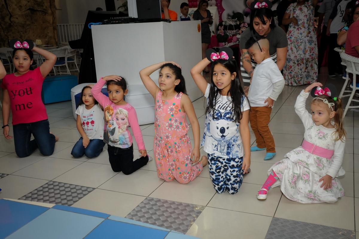 balada animada no Buffet Comics, Morumbi, São Paulo, SP, aniversario de Giovanna 1 aninho, tema da festa, minie rosa