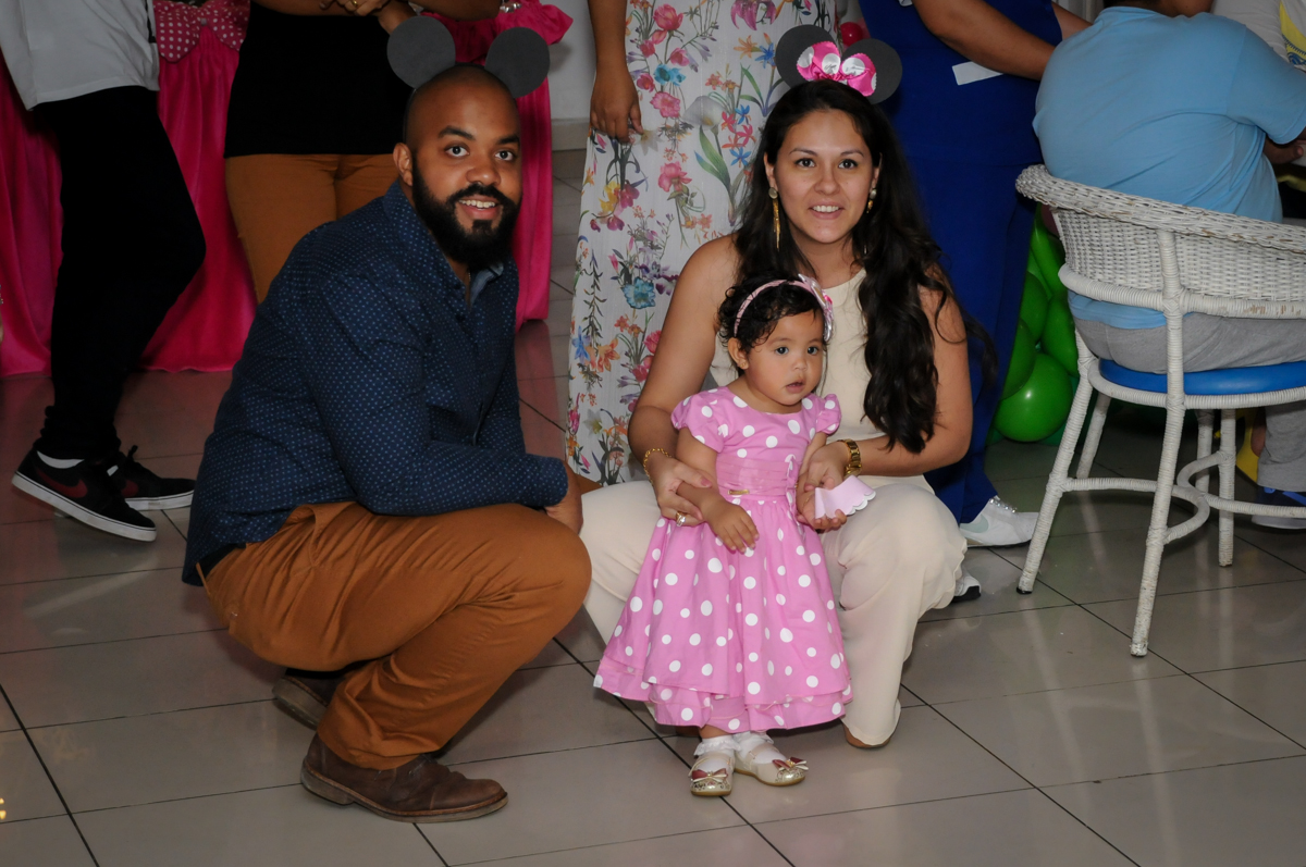 os pais também curtem a balada no Buffet Comics, Morumbi, São Paulo, SP, aniversario de Giovanna 1 aninho, tema da festa, minie rosa