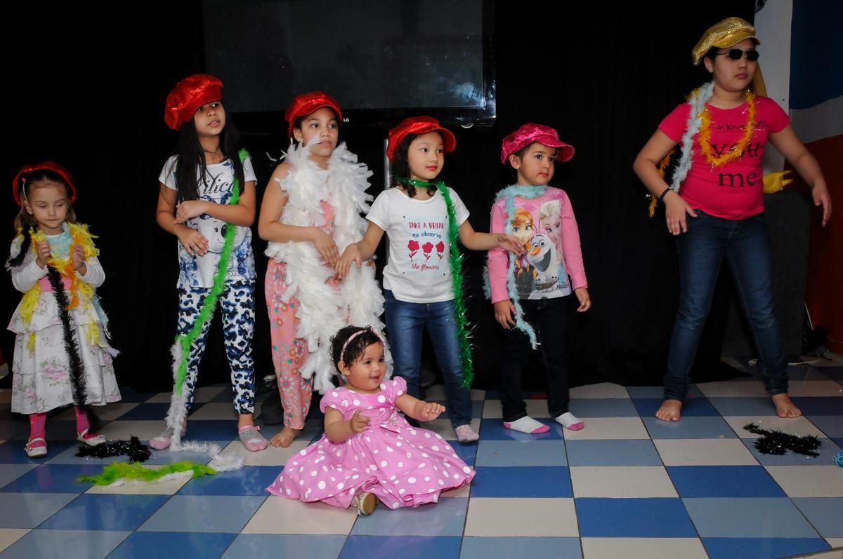 todos estão de fantasia no Buffet Comics, Morumbi, São Paulo, SP, aniversario de Giovanna 1 aninho, tema da festa, minie rosa