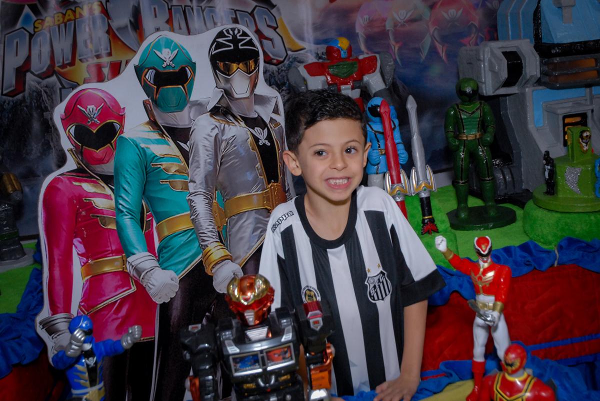 pose para a foto no Buffet Fábrica da Alegria, Osasco, São Paulo, SP, aniversário de Matheus 7 anos, tema da festa Power Ranger