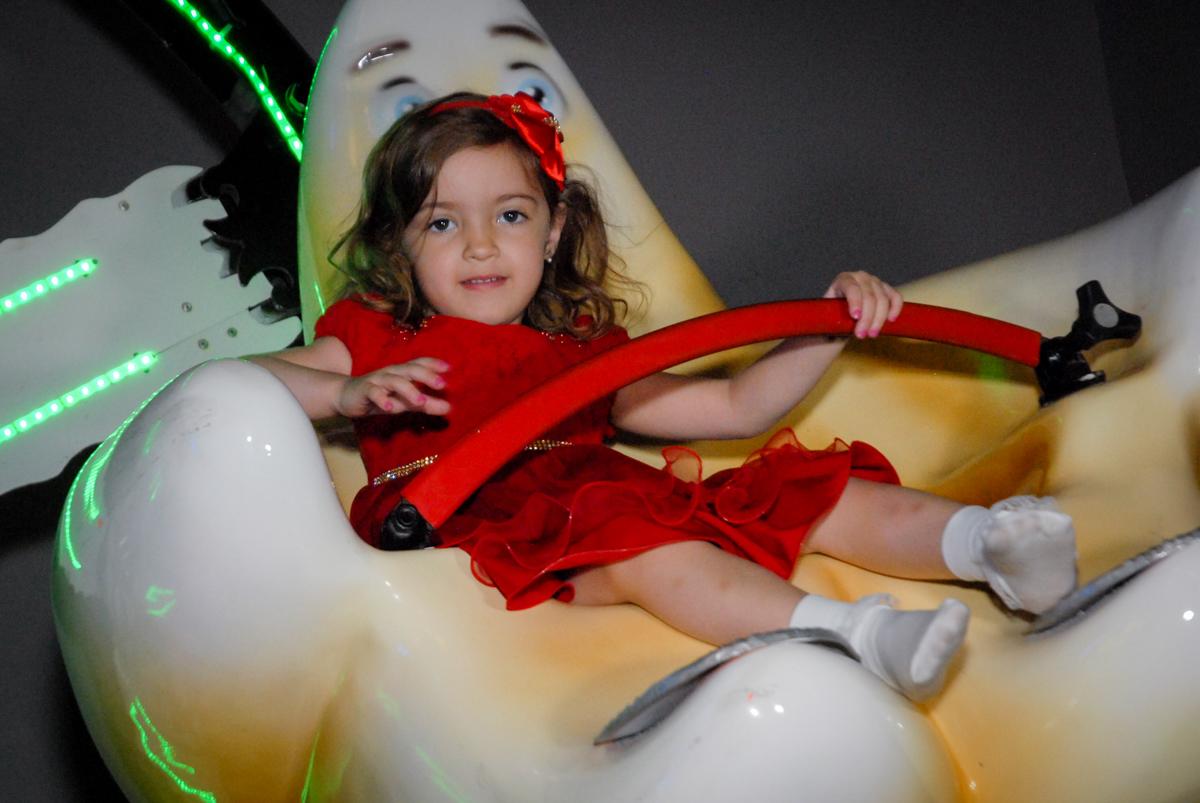 carrossel divertido no Buffet Planeta Prime, Alphaville, São Paulo, aniversário de Rafael 10 anos, tema da festa The Flash