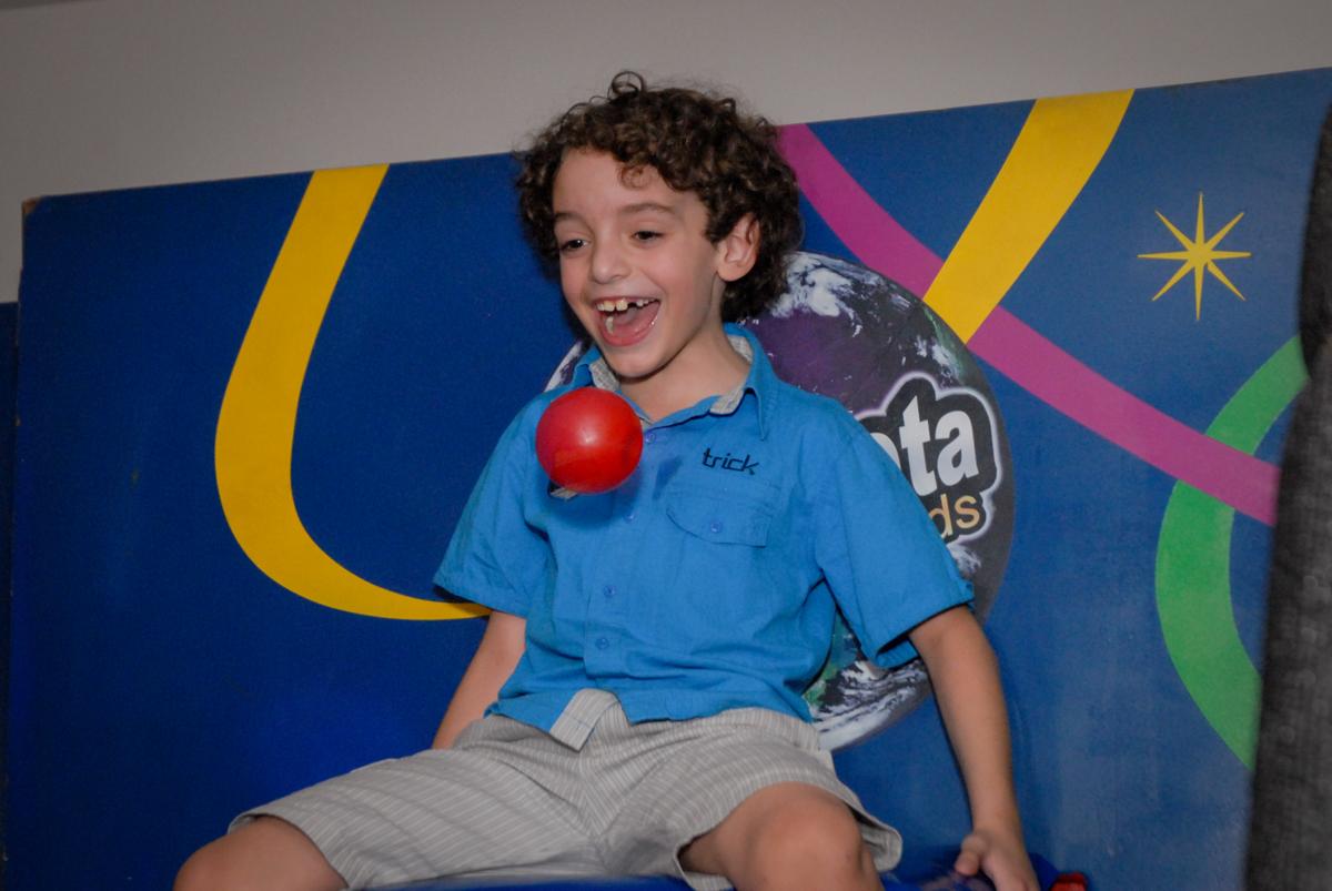 tombo legal divertido no Buffet Planeta Prime, Alphaville, São Paulo, aniversário de Rafael 10 anos, tema da festa The Flash